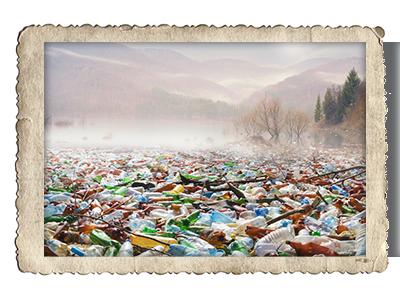 Plastikmüll im Fluss